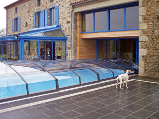 Zastřešení bazénu IMPERIA NEO™ light můžete propojit s Vaším domem