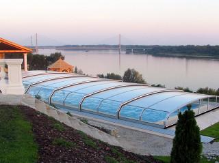 Zastřešení bazénu OCEANIC low od výrobce kvalitních krytů na bazén Alukov a.s.