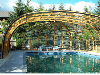 Bazén zastřešený krytem OLYMPIC™ se stane srdcem Vaší zahrady