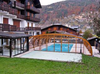 Zastřešení bazénu pro hotelový bazén ve Francii - zastřešení Laguna