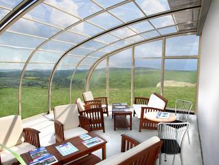 Zastřešením terasy CORSO vznikne prostor využitelný například k posezení s Vašimi přáteli