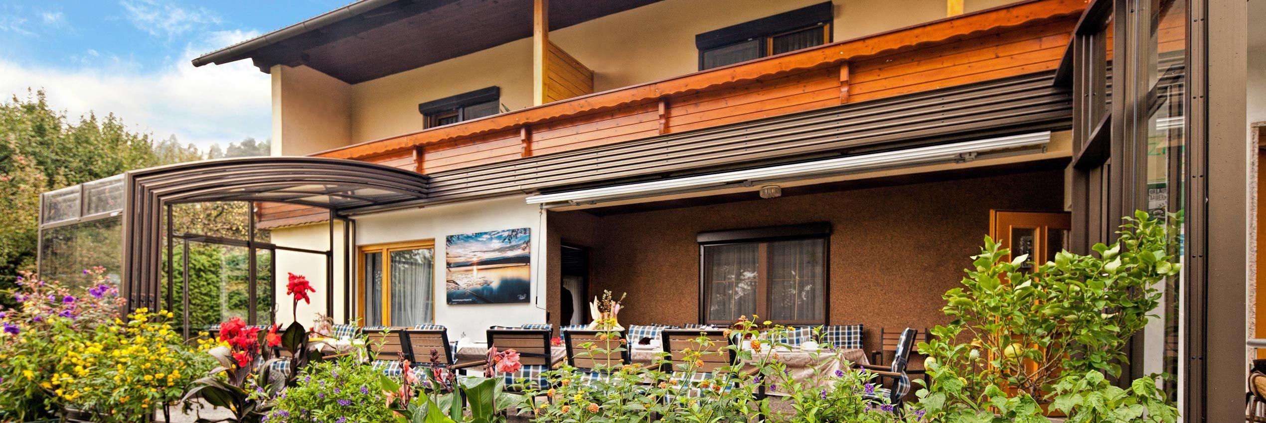 Geschlossene Terrassenüberdachung CORSO Premium für Horeca