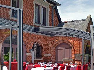 Vergleich - Wintergarten/Sonnenraum vs. Terrasseneinhausung