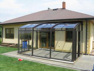 Ganzjährige Nutzung unabhängig vom Wetter ist der größste Vorteil der ALUKOV - Terrassenüberdachungen