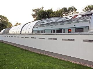 öffentliche Poolüberdachung für der schwimmhalle