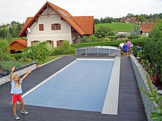Aufgeschoebenes flaches Poolüberdachungsmodell VIVA von ALUKOV