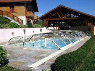 Schwimmbadüberdachung Elegant NEO mit verschiebbaren Elementen