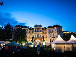 ALUKOV wieder als stolzer Partner beim Sommerfest im Garten der Deutschen Botschaft in Prag