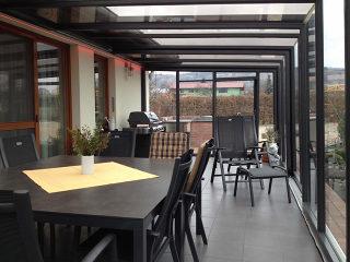 Terrassenüberdachung CORSO Glas als luxuriöse Lösung für ganzjährige Nutzung Ihrer Terrasse