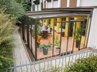 Terrassenüberdachung Corso Glass in Vogelperspektive