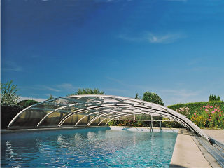 Abri de piscine ELEGANT NEO fabriqué en profilés blancs