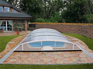 Abri de piscine ELEGANT en argenté