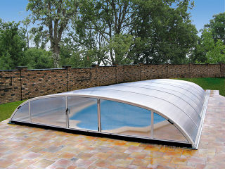 Abri de piscine bas ELEGANT par Alukov