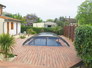 Abri de piscine ELEGANT sur porche de bois