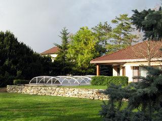 Abri de piscine rétractable Elegant NEO avec structure design