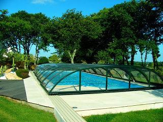 Abri de piscine rétractable Elegant NEO en couleur vert
