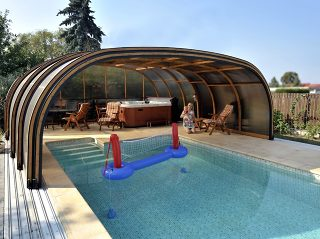 Abri de piscine LAGUNA - segments faciles à faire glisser