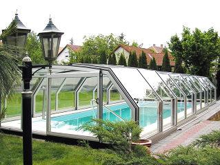 Abri pour piscine enterrée modèle  OCEANIC par Alukov - abri de piscine rétractable