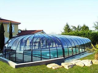 Abri haut pour piscine modèle OLYMPIC - le plus luxueux des abris de piscine