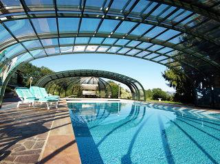Abri de piscine OLYMPIC - vue depuis l'intérieur