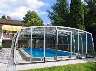 Abri de piscine rétractable OMEGA par Alukov