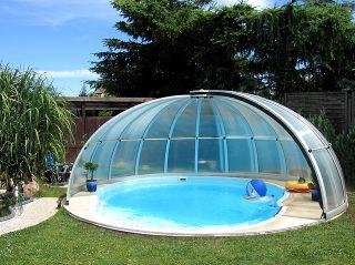 Abri de piscine rétractable ORIENT - cadres aluminium