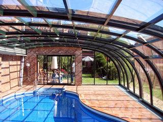Abri pour piscine enterrée modèle  STYLE par Alukov