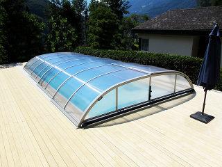 Abri de piscine Elegant en finition argent
