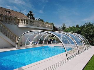 Abri haut pour piscine modèle TROPEA NEO par Alukov