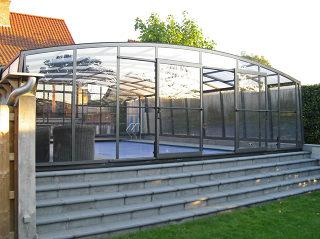 Abri de piscine Venezia - Protection rétractable pour piscine très spacieuse