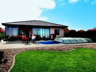 Ensemble de labri de terrasse CORSO SOLID avec l'abri de piscine ELEGANT - la meilleure combinaison pour votre jardin
