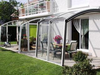 Le patio rétractable CORSO Solid par Alukov