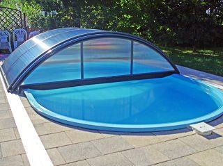 Plava idila - bazen zatvoren modelom AZURE