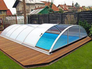 AZURE kupola za bazene u srebrenoj boji, s otvorenim bočnim ulazom