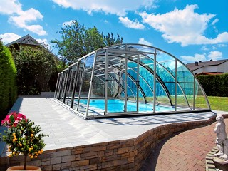 High line pool enclosure Ravena