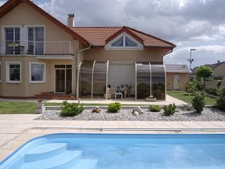 Improve your garden with retractable Patio Enclosure CORSO Entry