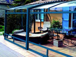 CORSO Premium patio enclosure with cobalt blue finish