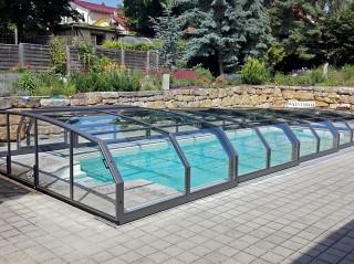 Low line pool enclosure Oceanic low