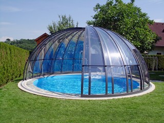 Opened pool enclosure Orient in anthracite color