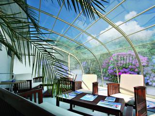 Summer atmosphere under patio enclosure CORSO Entry