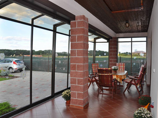 Favourite dark anthracite colour used on CORSO patio enclosure profiles