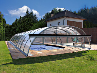 Swimming pool enclosure UNIVERSE increases temperature of water in you pool