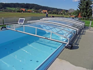 Inground pool cover VIVA protects your pool from debris