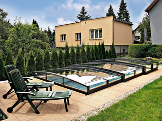 Pool enclosure VIVA made by Alukov