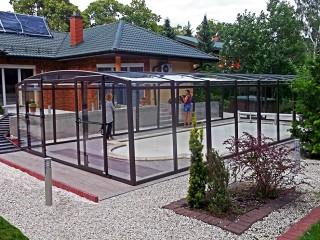 Retractable swimming pool enclosure Vision
