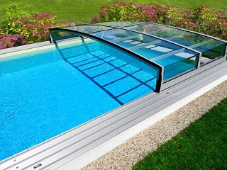 Retracted pool enclosure Viva