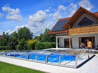 Swimming pool cover Corona fits great to the garden