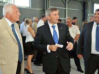 Az új cseh ALUKOV medencefedés gyártó üzem