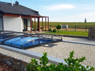 AZURE Angle medencefedés tökéletesen illik a modern házakhoz is