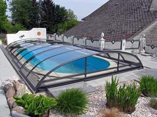 Azure flat kompakt medencefedés  víztiszta polikarbonáttal